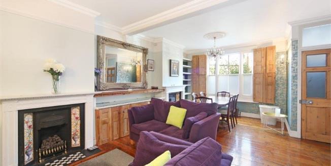 £850,000, 3 Bedroom Terraced House For Sale in London, SW8