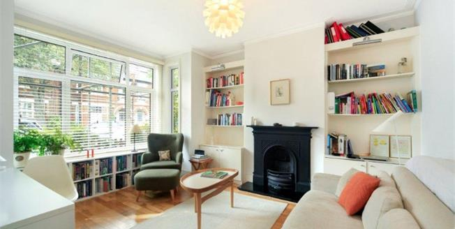 Asking Price £650,000, 2 Bedroom Maisonette For Sale in London, SW14