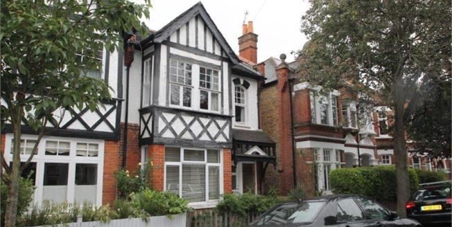 Asking Price £600,000, 2 Bedroom Maisonette For Sale in London, SW14