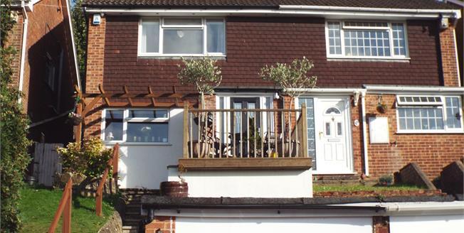 Guide Price £350,000, 3 Bedroom Semi Detached House For Sale in Biggin Hill, TN16