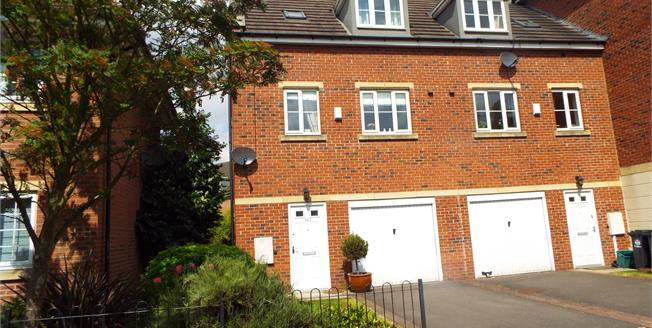 Fixed Price £185,000, 3 Bedroom Semi Detached House For Sale in Arnold, NG5