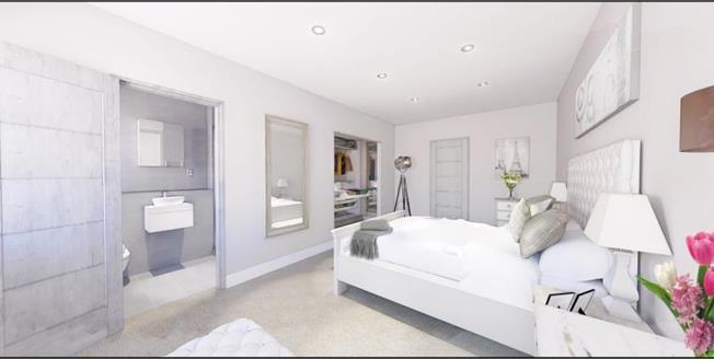 £469,950, 2 Bedroom Ground Floor Flat For Sale in Caterham, CR3