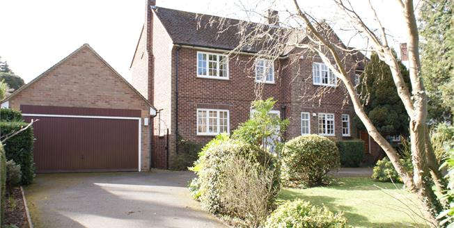 Guide Price £899,950, 4 Bedroom Detached House For Sale in Fetcham, KT22