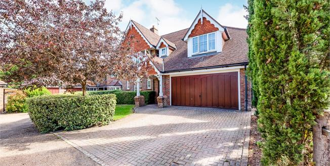 £1,075,000, 5 Bedroom Detached House For Sale in Leatherhead, KT22
