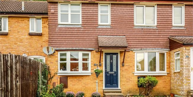 Asking Price £425,000, 2 Bedroom Terraced House For Sale in Fetcham, KT22