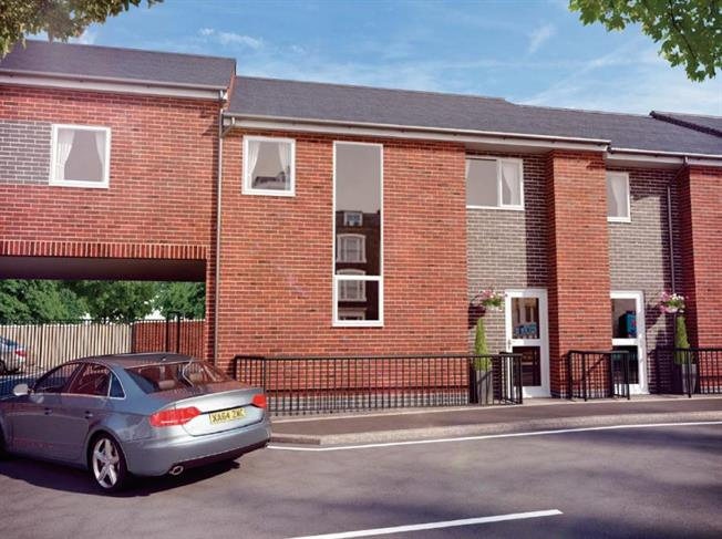 2 Bedroom Flat For Sale in for £130,000