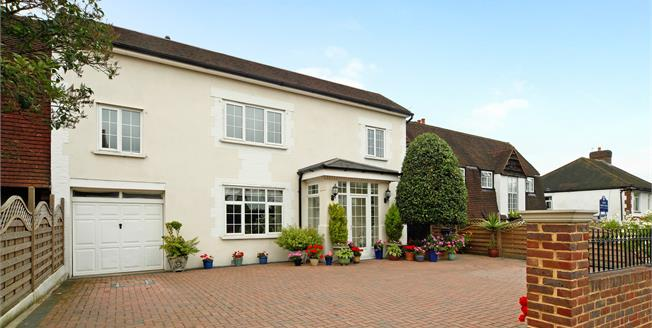 Asking Price £1,200,000, 6 Bedroom Detached House For Sale in London, SW16