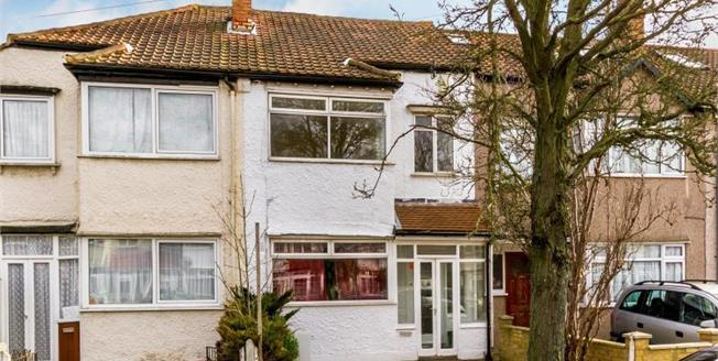 £445,000, 4 Bedroom Semi Detached House For Sale in Thornton Heath, CR7