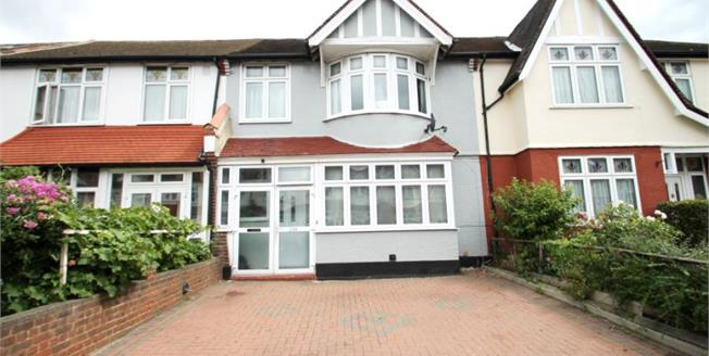 £550,000, 3 Bedroom Terraced House For Sale in London, SW16