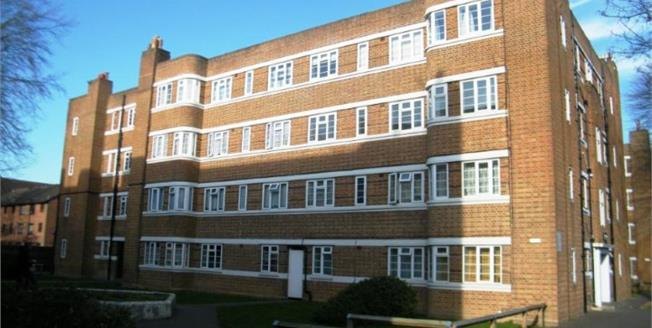 Offers in excess of £225,000, 2 Bedroom Flat For Sale in Thornton Heath, CR7
