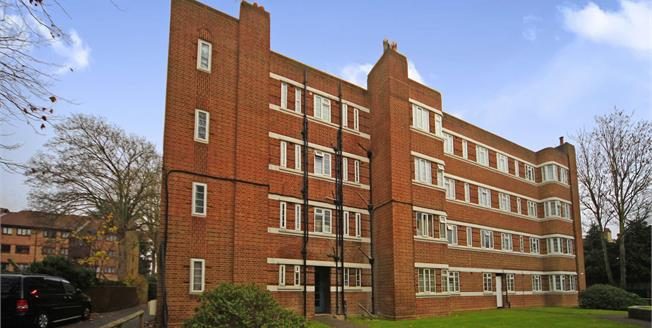 Asking Price £275,000, 2 Bedroom Flat For Sale in Thornton Heath, CR7