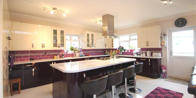Asking Price £899,950, 6 Bedroom Semi Detached House For Sale in London, SW16