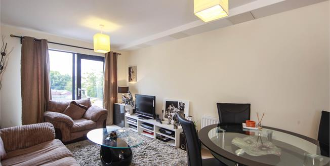 Offers in excess of £275,000, 1 Bedroom Flat For Sale in London, SW16