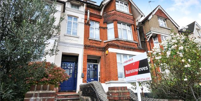 Asking Price £180,000, Flat For Sale in Gleneldon Road, SW16