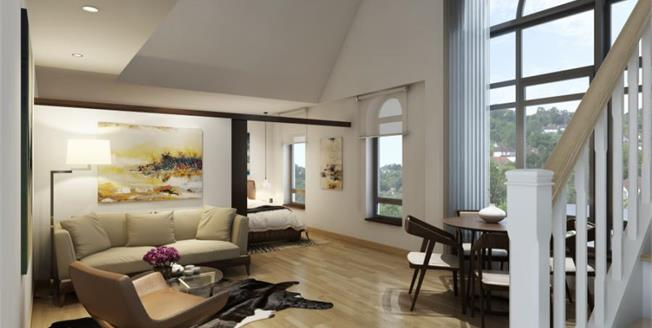 £345,000, 2 Bedroom Flat For Sale in Whyteleafe Hill, CR3