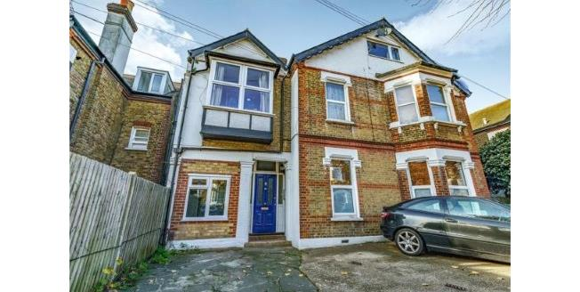 Asking Price £299,995, 2 Bedroom Flat For Sale in Surrey, CR2