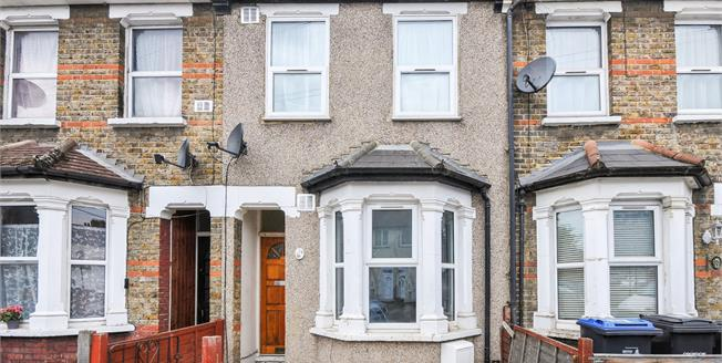 Guide Price £375,000, 3 Bedroom Terraced House For Sale in Croydon, CR0