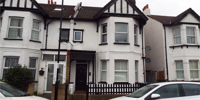Asking Price £280,000, 2 Bedroom Flat For Sale in Croydon, CR0