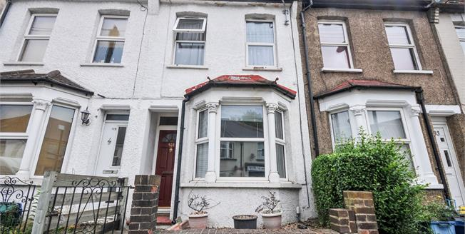 Asking Price £350,000, 2 Bedroom Terraced House For Sale in South Croydon, CR2