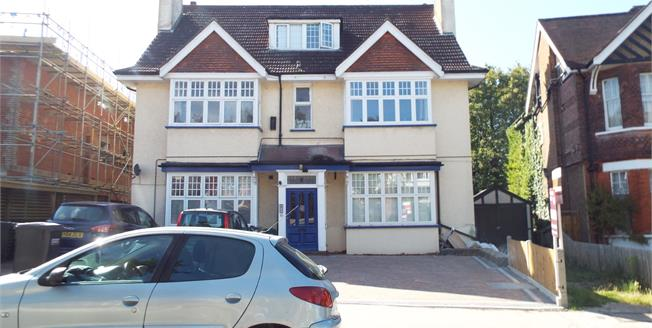 Asking Price £245,000, 1 Bedroom Flat For Sale in South Croydon, CR2