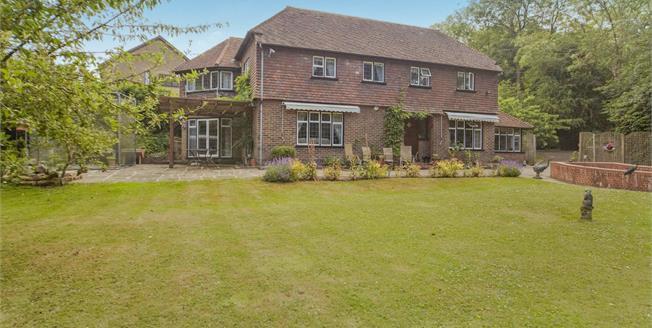 £1,150,000, 5 Bedroom Detached House For Sale in Croydon, CR0