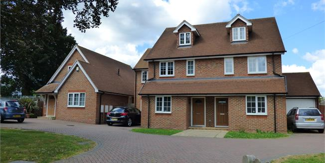 Asking Price £600,000, 4 Bedroom Semi Detached House For Sale in Croydon, CR0