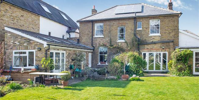 Guide Price £1,345,000, 4 Bedroom Detached House For Sale in East Molesey, KT8