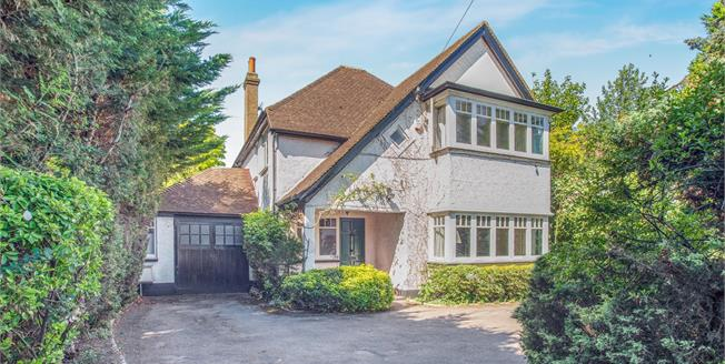 Guide Price £1,249,950, 4 Bedroom Detached House For Sale in East Molesey, KT8