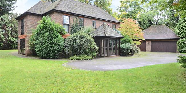 Guide Price £2,995,000, 5 Bedroom Detached House For Sale in Esher, KT10