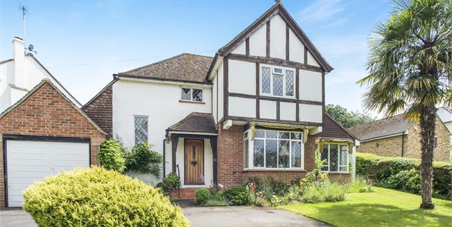Guide Price £1,195,000, 3 Bedroom Detached House For Sale in Esher, KT10