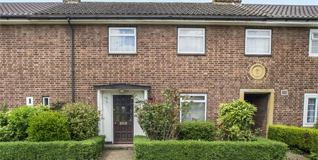 Guide Price £450,000, 3 Bedroom Terraced House For Sale in Esher, KT10