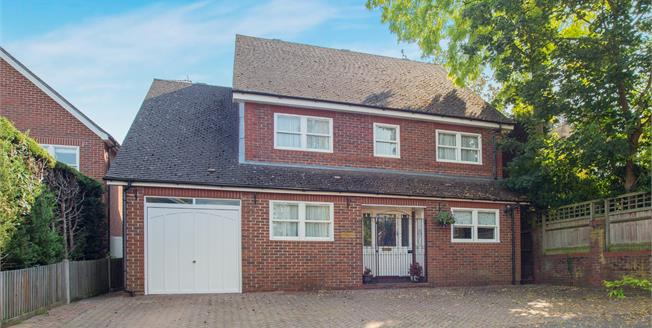 Guide Price £1,325,000, 5 Bedroom Detached House For Sale in Surbiton, KT6