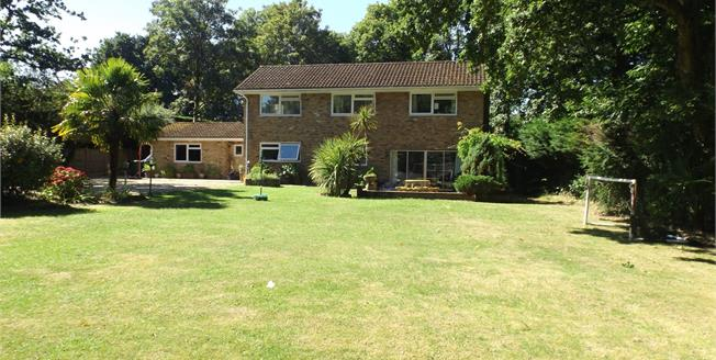 Asking Price £995,000, 3 Bedroom Detached House For Sale in Wrecclesham, GU10