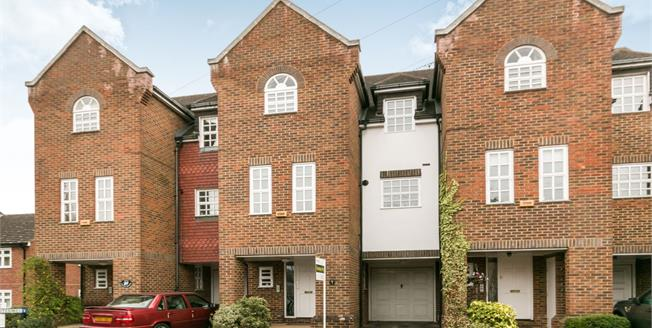 Asking Price £624,950, 4 Bedroom Terraced House For Sale in Farnham, GU9