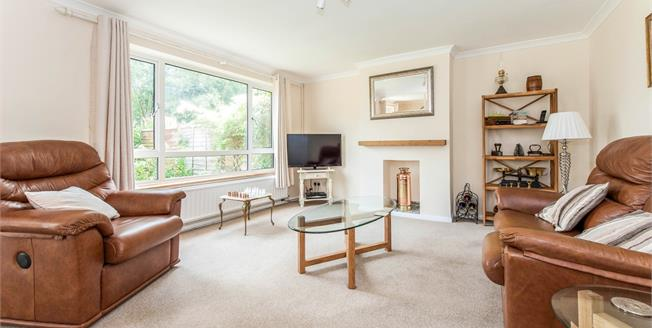 Asking Price £399,950, 3 Bedroom Semi Detached House For Sale in Chiddingfold, GU8