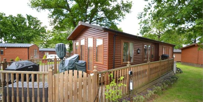 £58,000, 2 Bedroom Mobile Home For Sale in Albury, GU5