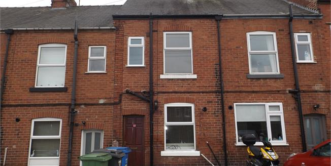 Guide Price £100,000, Terraced House For Sale in Chesterfield, S41