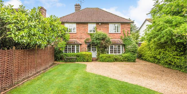 Guide Price £999,950, 4 Bedroom Detached House For Sale in Burpham, GU4