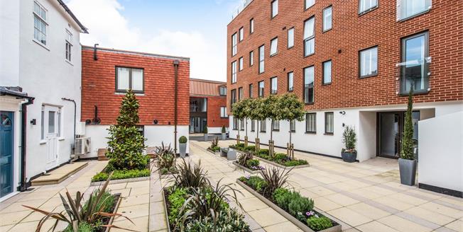 Asking Price £317,500, 1 Bedroom Flat For Sale in Guildford, GU1