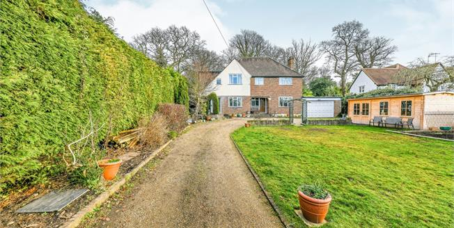 Guide Price £850,000, 4 Bedroom Detached House For Sale in Worplesdon, GU3