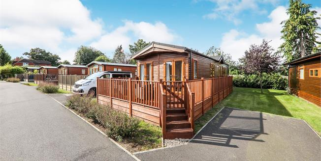 Guide Price £95,000, 2 Bedroom Mobile Home For Sale in Guildford, GU5