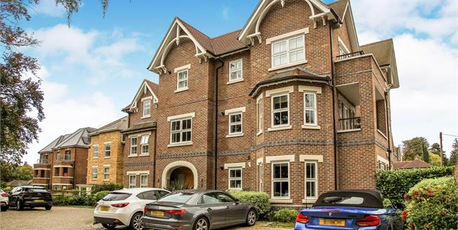 Guide Price £500,000, 2 Bedroom Flat For Sale in Guildford, GU1
