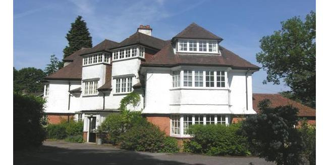 £160,000, 1 Bedroom Flat For Sale in Hindhead, GU26