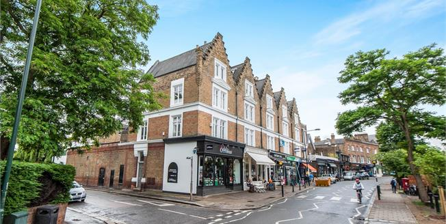 Guide Price £1,250,000, 2 Bedroom Flat For Sale in Richmond, TW10