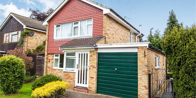 Guide Price £525,000, 3 Bedroom Detached House For Sale in Woodham, KT15