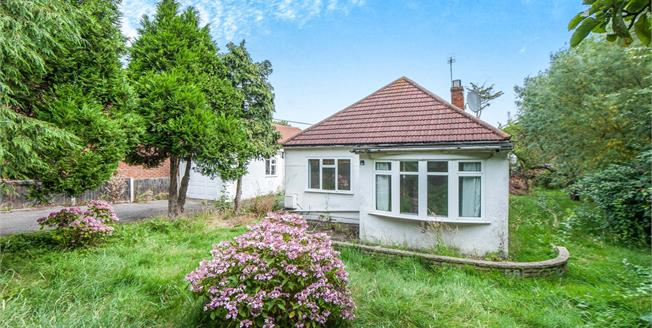 Guide Price £500,000, 3 Bedroom Detached Bungalow For Sale in Worcester Park, KT4
