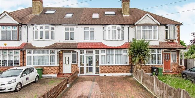 Guide Price £525,000, 4 Bedroom Terraced House For Sale in Worcester Park, KT4