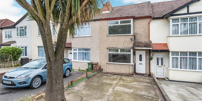 Guide Price £350,000, 2 Bedroom Terraced House For Sale in Worcester Park, KT4