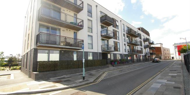 Offers in excess of £100,000, 1 Bedroom Flat For Sale in Plymouth, PL1