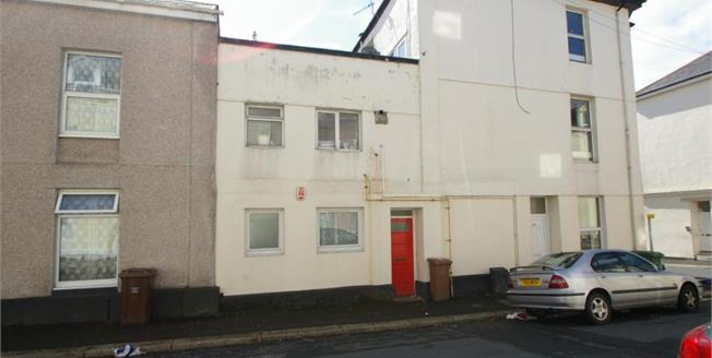 Guide Price £55,000, 2 Bedroom Terraced Flat For Sale in Plymouth, PL1
